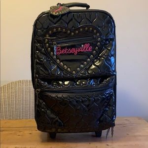 Betseyville Black Quilted Hearts Travel Suitcase